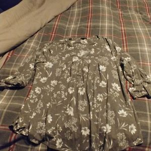 Gray flower tunic from Roz and Ali